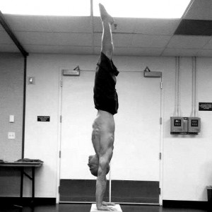 A close to perfect handstand line